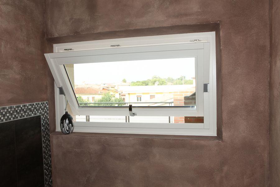produzione di finestre vasistas in legno alluminio a